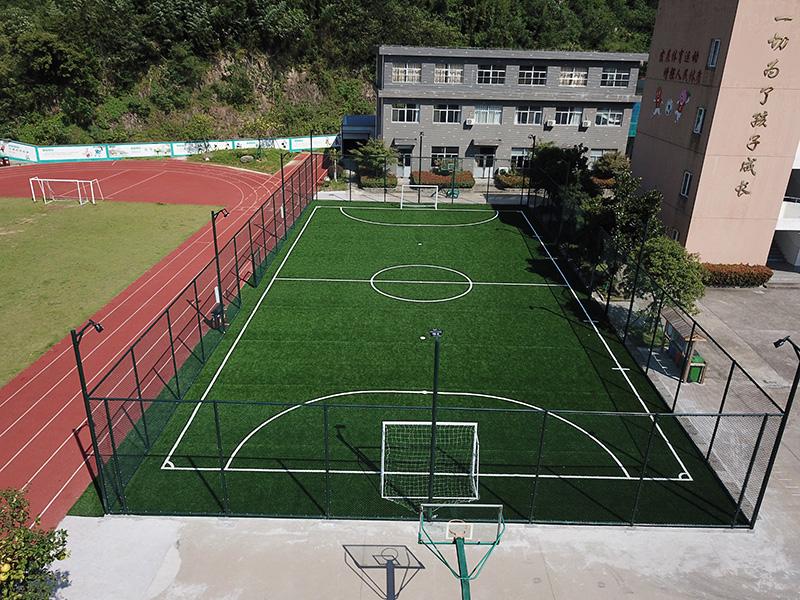 二六市小学笼式足球场航拍图二